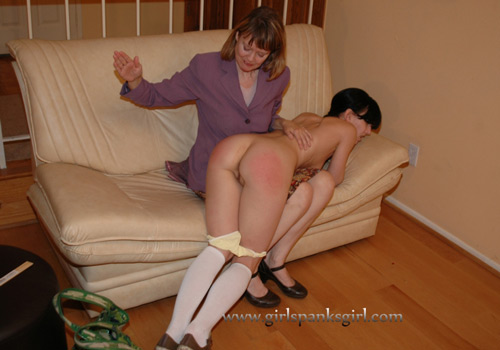 Nude mom being spanked